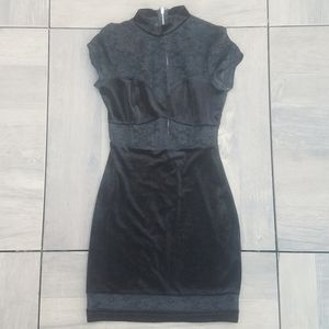 Dresses & Skirts - Sexy Velvet and Lace Dress Small